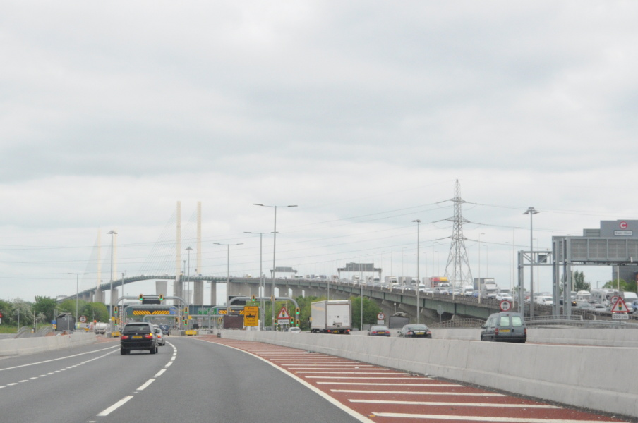 Podul peste Tamisa la Dartford Crossing